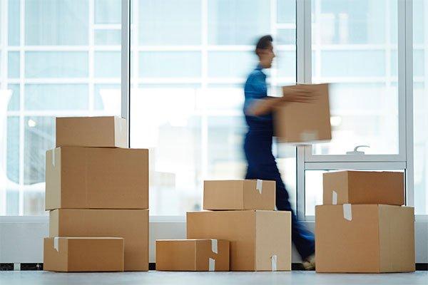 Relocări și logistică